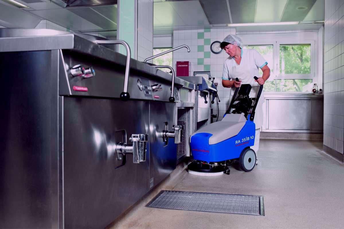 Reinigungsautomaten Scheuersaugmaschinen RA35B10 Küche reinigen