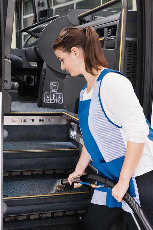 Sprühextraktionsgerät SX44 Bus reinigen