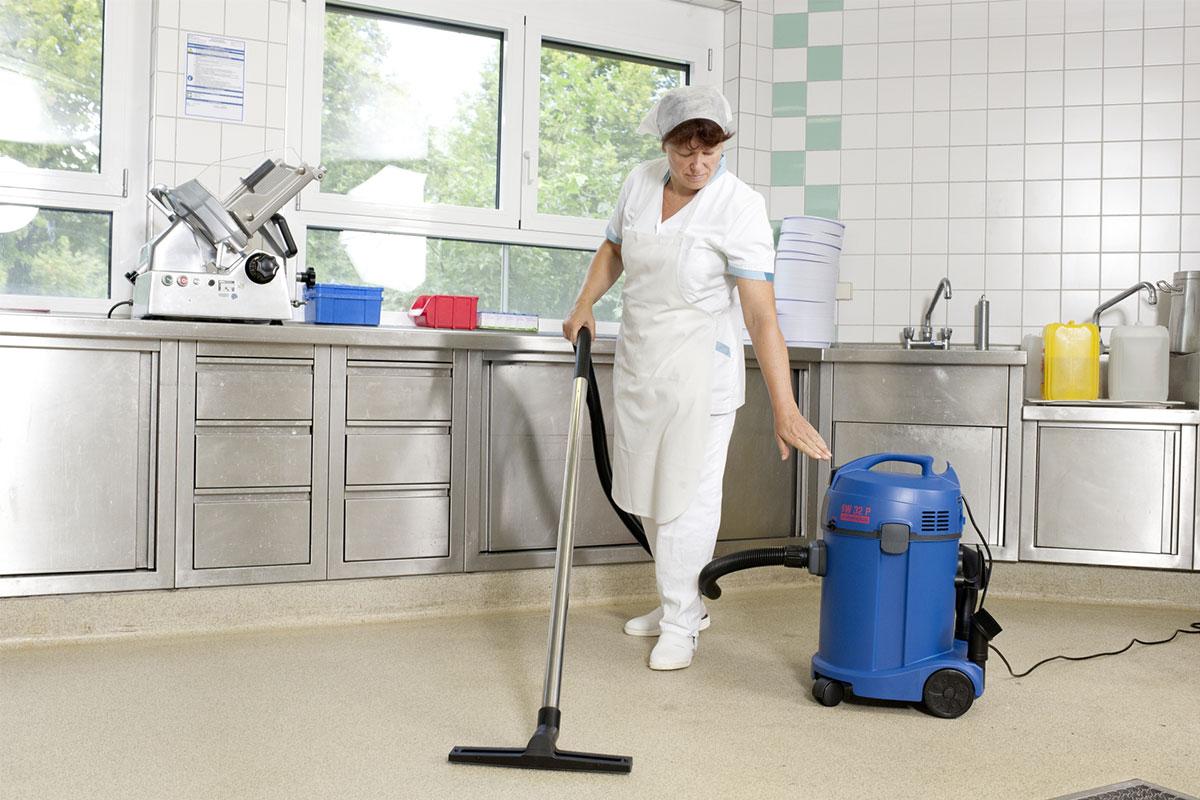 Staub- / Wassersauger SW32P Küche reinigen