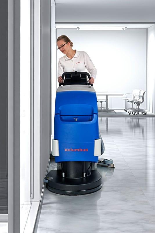 Reinigungsautomat Scheuersaugmaschine RA55BM40 Gebäudereinigung Maschine