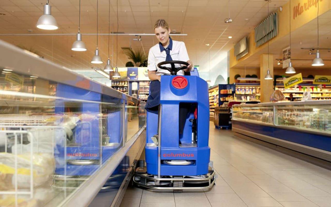 Retail / Einzelhandel Supermarkt reinigen