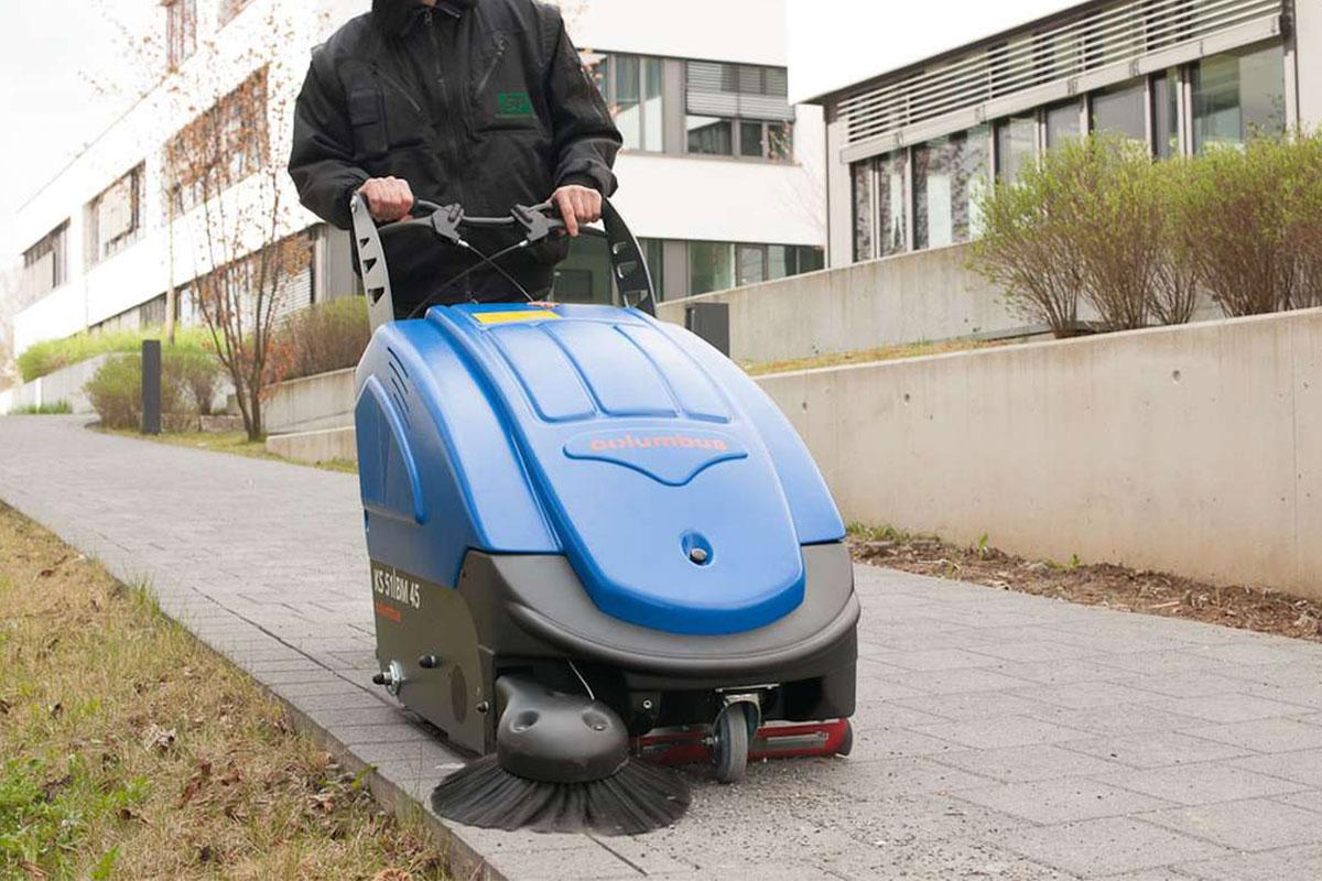 Sweeper KS51BM45 walkway sweeping