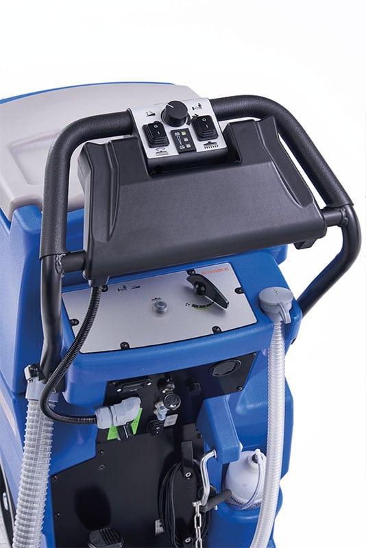 Scrubber dryer floor scrubber cleaning machine handling