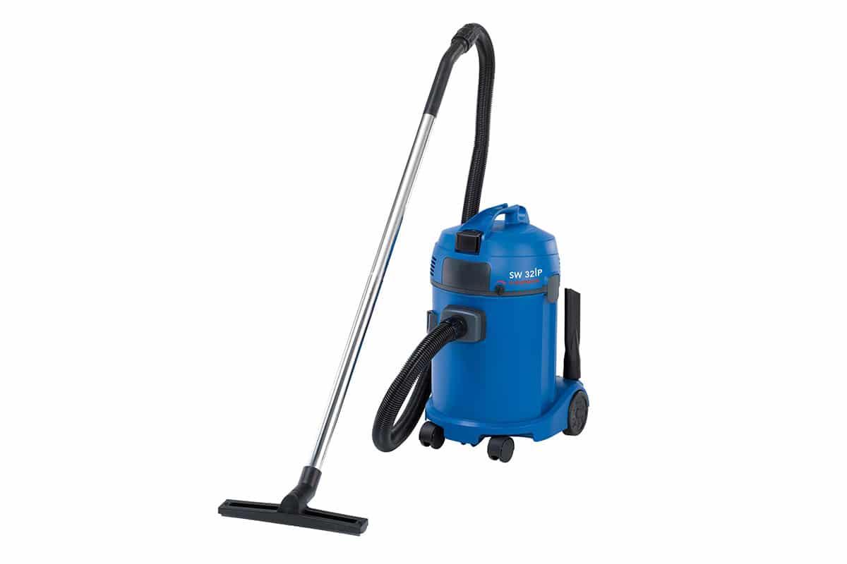 Wet dry vacuum cleaner SW32P front
